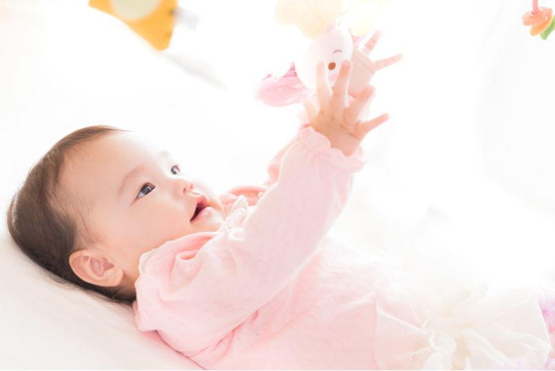 bedgard - 子供・赤ちゃんがベッドから落ちるのを防ぐ!年齢・時期別の転倒防止策。
