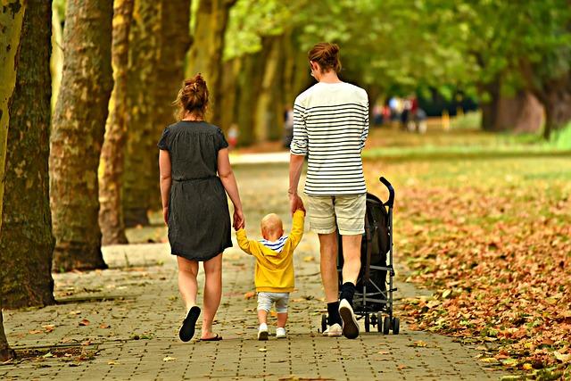 woman 3602245 640 - 2人目の育児に、用意しておきたいベビーカー!暑さ寒さ対策に便利なグッズも色々とご紹介。