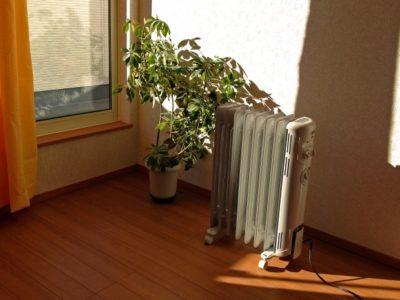 delonghi 400x300 - 子供と寝るお部屋の寒さ対策にはオイルヒーターが活躍!乾燥しにくくて快適になった工夫