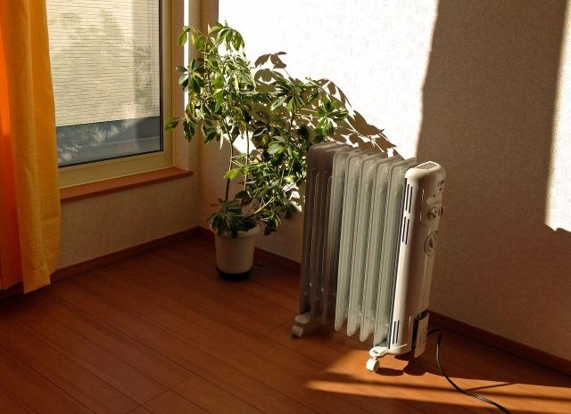 delonghi - 赤ちゃんにエアコンは最適?温度湿度管理ならオイルヒーターがオススメ。