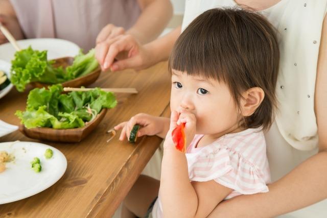 diningtable - 【子供も使いやすいダイニングテーブルの選び方】子育て中ママがポイントを解説。