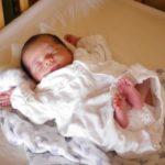 akachan 150x150 - 赤ちゃんが引き出しを開けちゃう!イタズラ防止にどんな対策が良い?