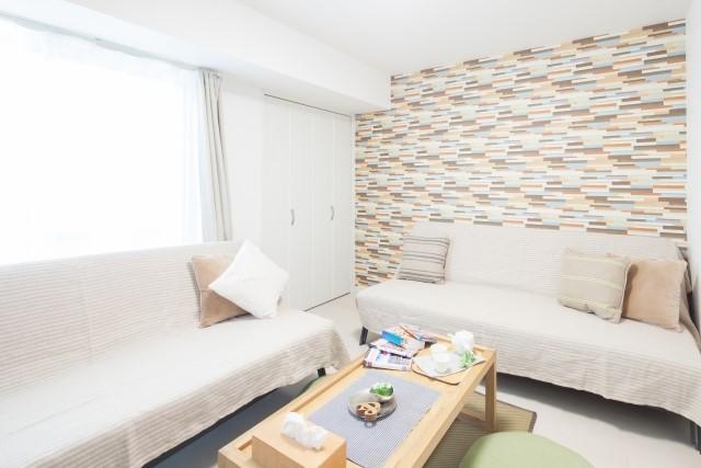 sofa1 - 【おしゃれなローソファ部屋6選】子供と暮らす素敵な部屋とポイント