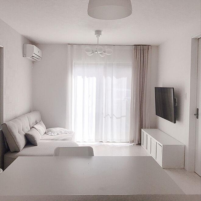 sofa2 - 【おしゃれなローソファ部屋6選】子供と暮らす素敵な部屋とポイント