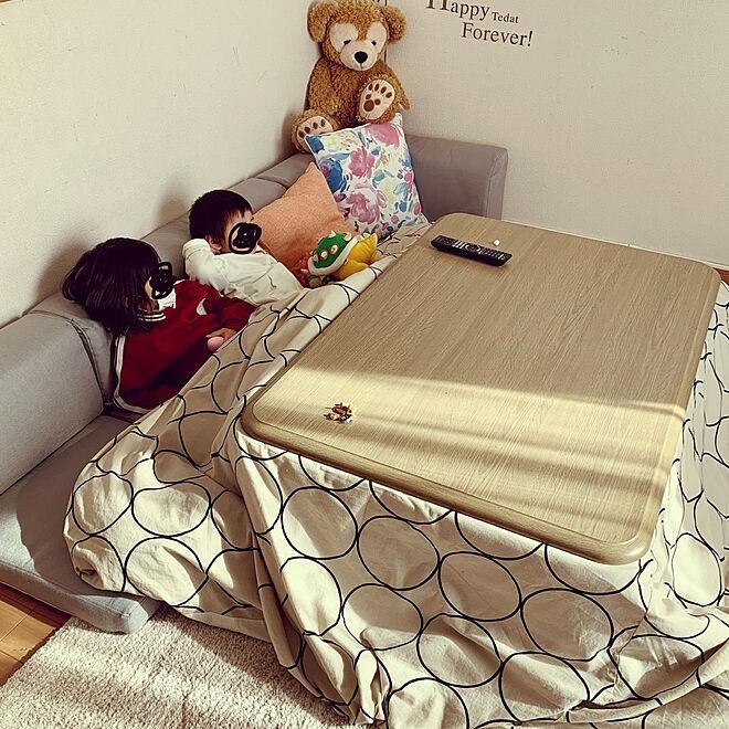 sofa6 - 【おしゃれなローソファ部屋6選】子供と暮らす素敵な部屋とポイント