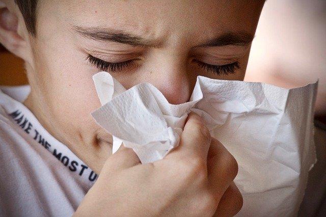 cold 3861935 640 - 【この差って何ですか?】花粉症対策に効果的な4つの方法&飲み物は?子供の発症を防ぎたい!