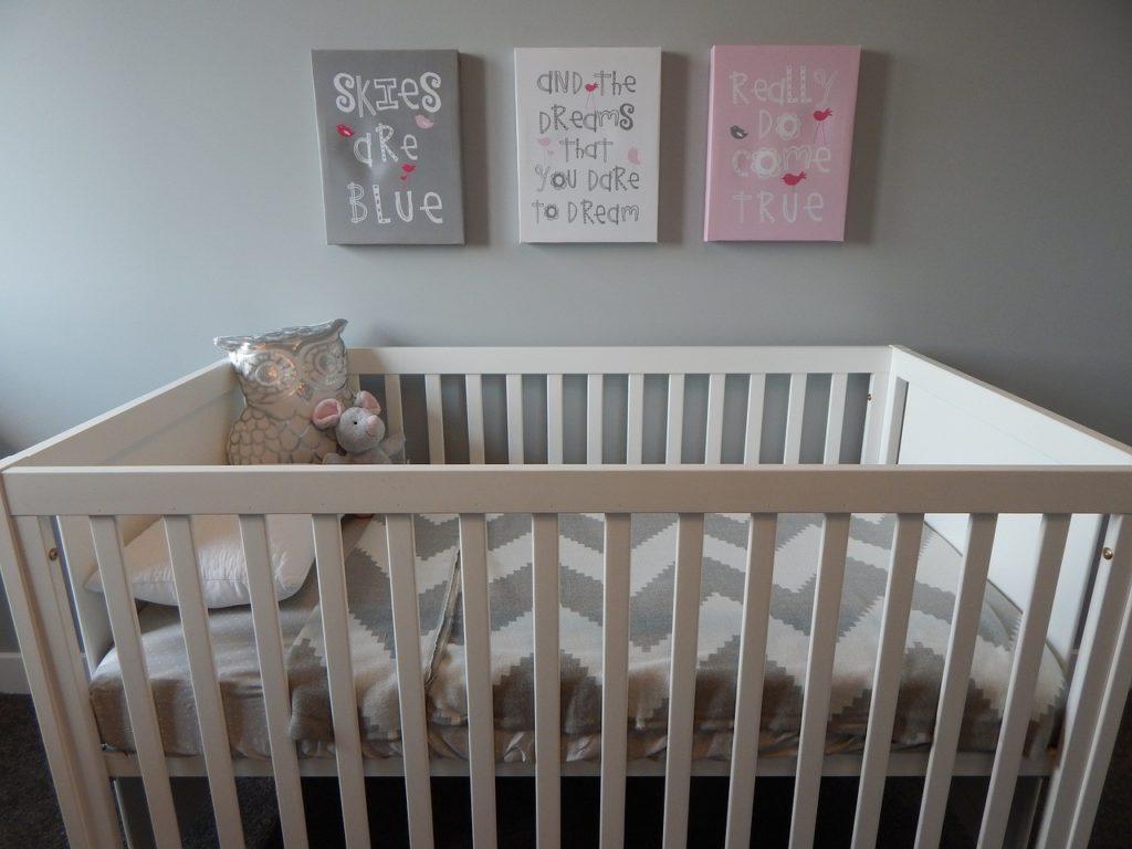 3 1024x768 - 子供と一緒に寝るベッド【年齢別】選び方&おすすめ5選。添い寝中のママ必見!
